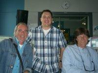 Johannes Held (Mitte) zusammen mit Tim Stahl und John Guldberg (Laid Back) aus Kopenhagen im SWR1-Sendestudio, Quelle: Privat